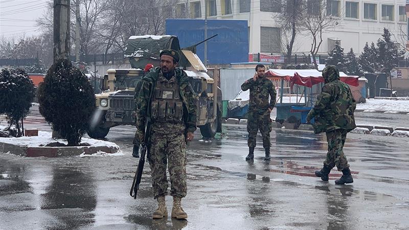 Најмалку шестмина загинати во самоубиствен бомбашки напад близу воена академија во Кабул