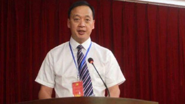 Почина директорот на главната болница во Вухан, втор доктор кој го загуби животот од коронавирусот