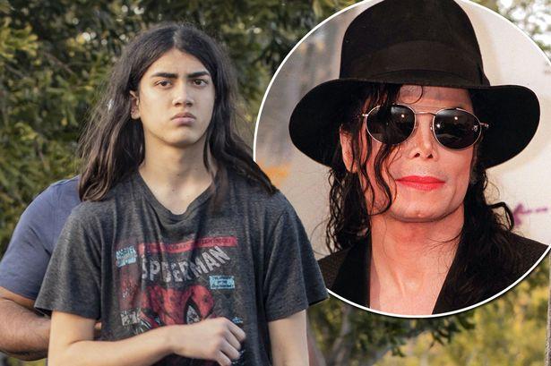 Најмладиот син на Мајкл Џексон си го смени името