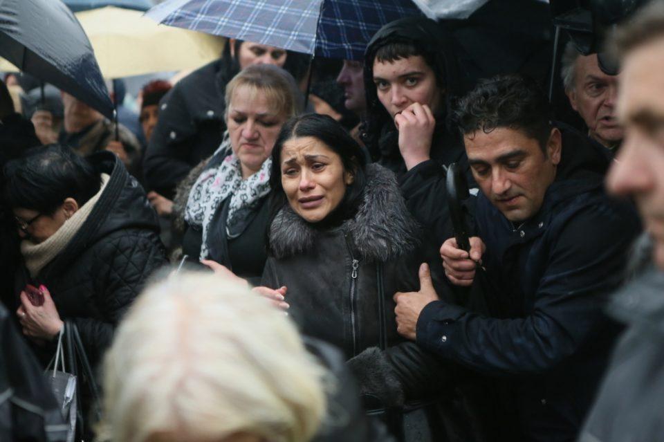 Целиот регион во солзи: Сестрата и таткото на оваа пејачка починале на болен начин, докторите и рекле дека никогаш нема да има деца!