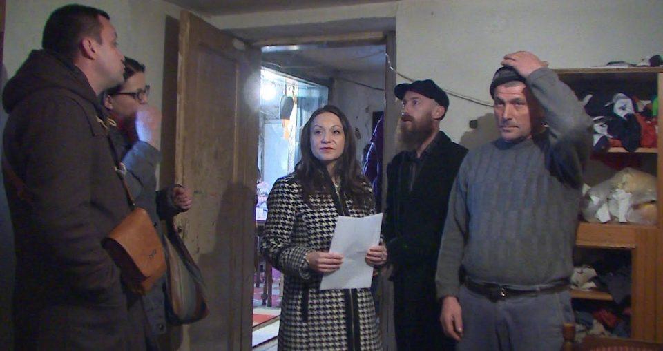 Мизрахи во посета на многудетното семејство Комненови во Кучевиште