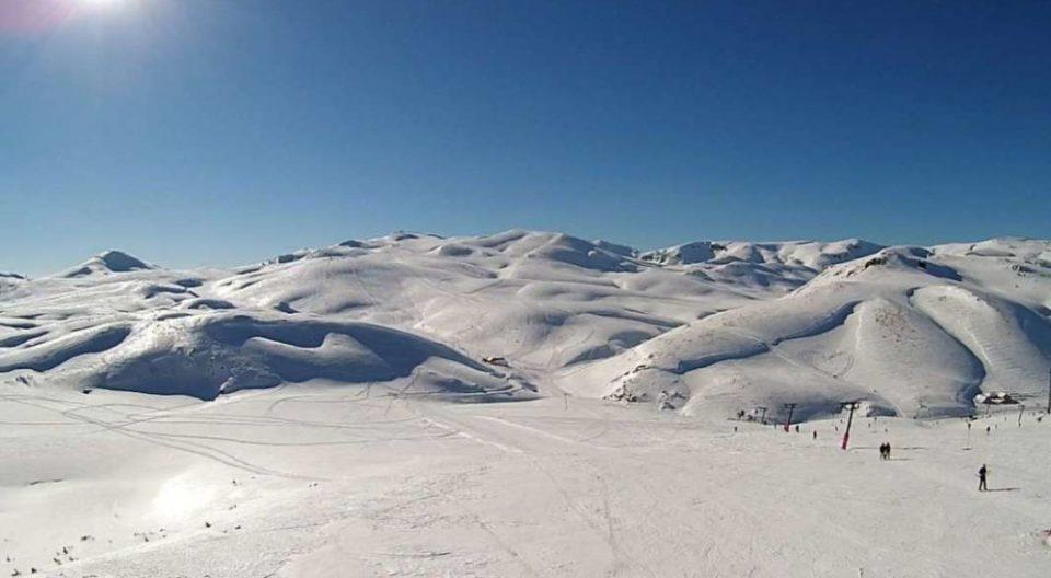 На Попова Шапка промоција на опрема за безбедност при лавини и скијање во длабок снег