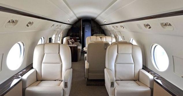 Коронавирусот ги полни џебовите на сопствениците на приватни авиони