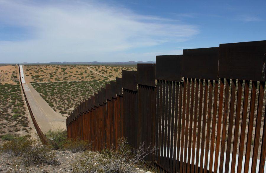 Американската Влада ја забрзува изградбата на ѕидот на границата со Мексико