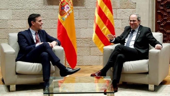 Шпанската Влада и каталонските лидери почнаа разговори за надминување на кризата