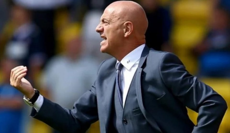 ХИСТЕРИЈА: Фудбалски клуб го избрка тренерот поради страв од коронавирусот