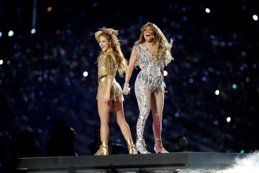 """ФОТО+ВИДЕО: Џеј Ло и Шакира ја """"запалија"""" сцената на Супер боул"""