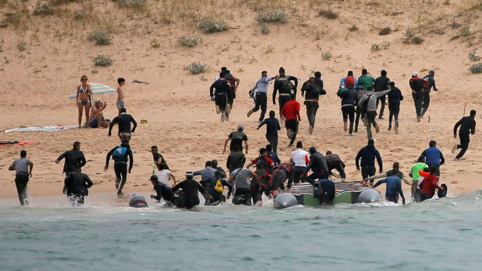 Во Шпанија спасени 119 мигранти, по 67 се уште се трага