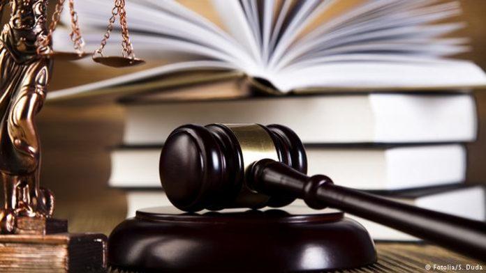 """Сите држави од регионот ги откажуваат судењата само Десковска """"мува не ја лази"""""""