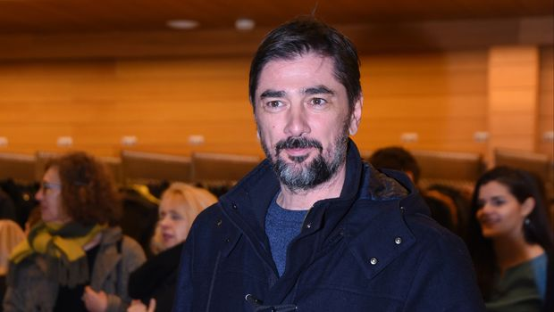 Познатиот српски актер итно пренесен во болница откако се онесвестил на премиера