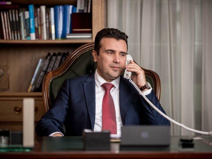 ВМРО-ДПМНЕ: Никој службеник не смее да зема пари, по примерот на Зоран Заев, за тоа што согласно закон е должен да го направи