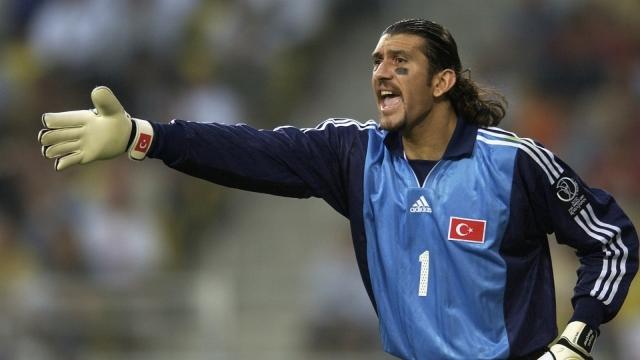 Легендарниот турски голман Рушту Реџбер има коронавирус