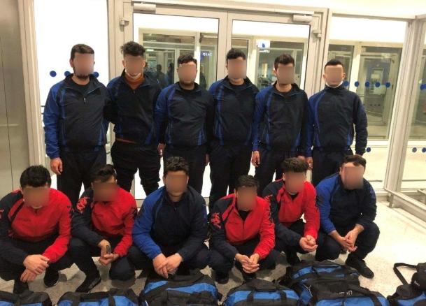 Се преправале дека се ракометен тим: 12 бегалци се обиделе нелегално да патуваат од атинскиот аеродром