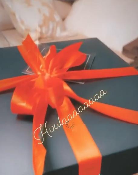 Кој би можел да и подари вакво нешто- Цеца сподели што добила за 8-ми март, но за ваков подарок со причина крие од кого го добила (ФОТО)