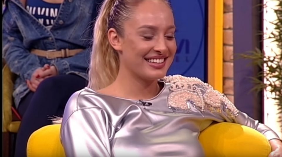 """Луна Џогани во """"Ами Џи"""" шоуто откри колку пати дневно имала односи, водителот Огњен Амиџиќ остана подзинат?! (ВИДЕО)"""
