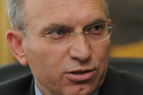 Градоначалникот на Велес е во самоизолација, се тестира дали има коронавирус
