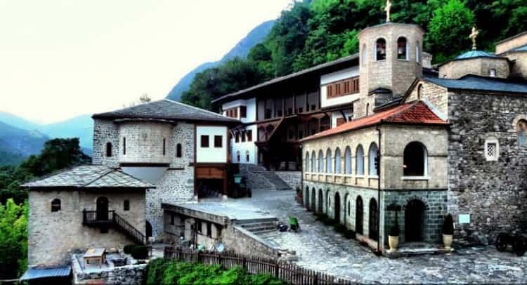 Бигорски манастир со вонредно соопштение за богослужбата за Света Пасха