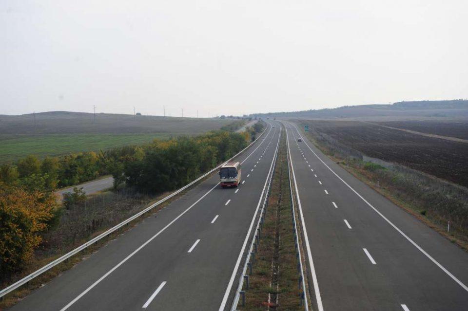 Целосен прекин на магистралниот пат Кичево-Скопје