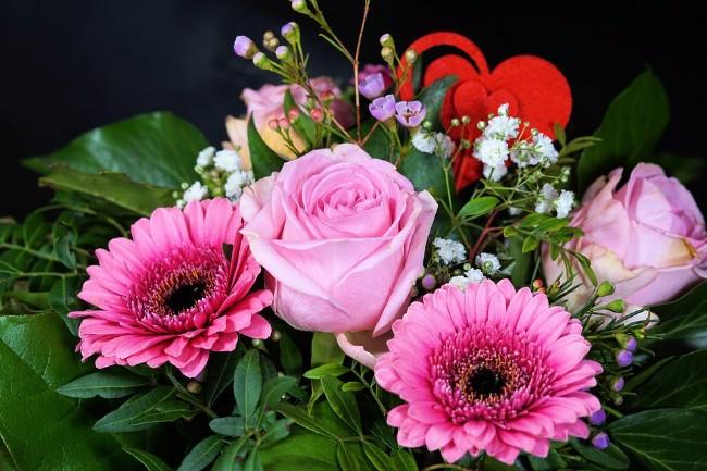 Овие трикови ќе ви требаат по 8. Март: Како цвеќињата подолго време да ви бидат свежи?