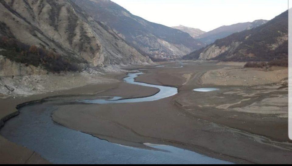 Алчната власт ги испразни езерата
