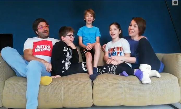 Порака од семејството Дурловски: Нивната изведба ќе ви го стопли срцето (ВИДЕО)