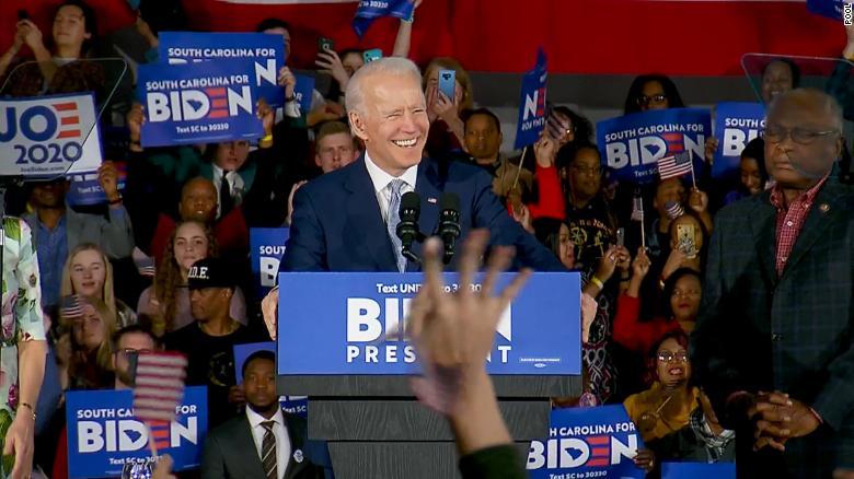 Убедлива победа на Џо Бајден меѓу демократите во Јужна Каролина
