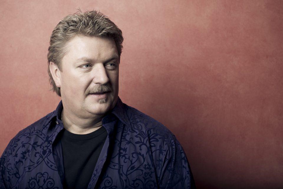 Американски пејач почина од коронавирус, пред два дена откри дека е заразен