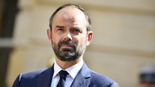 Францускиот премиер Едуард Филип поднесе оставка