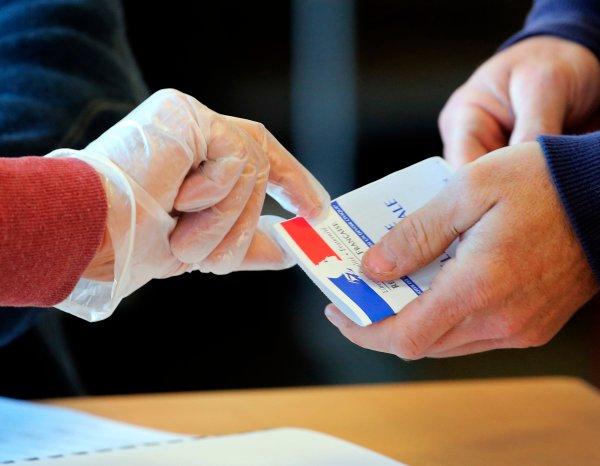 Се бара одложување на вториот круг од изборите во Франција