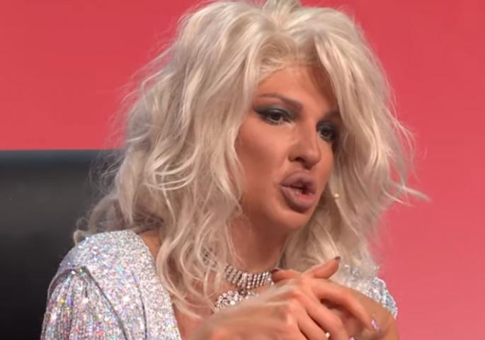 "Јелена Карлеуша во ""Ѕвездите на Гранд"" опиша како се води љубов (видео)"