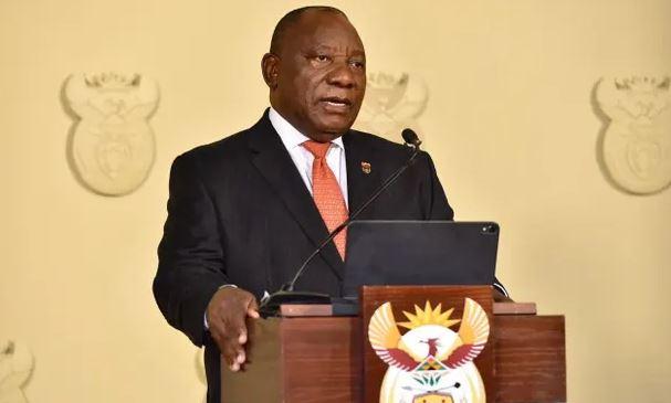 Во Јужна Африка се воведуваат полициски час и забрана за алкохол