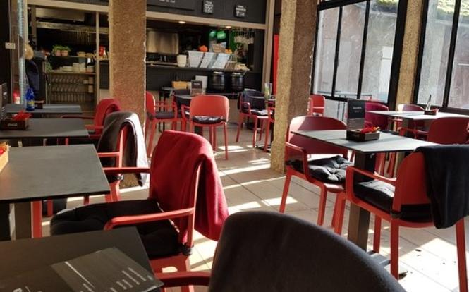 Во Хрватска од утре се затвораат кафулињата и рестораните