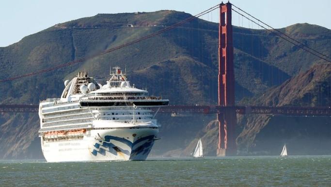 Крузер не смее да влезе во Сан Франциско, сомнеж за вирус