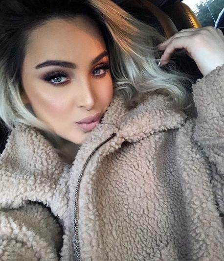"""""""Ако не ја гледате во очи ќе се препотите"""": Маја Беровиќ позираше во долна облека и ги излуди фановите (ФОТО)"""