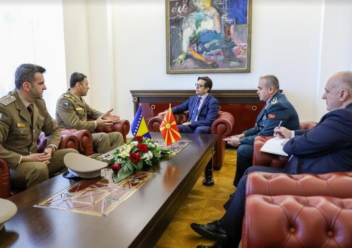 Пендаровски на средба со генерал-полковник, Сенад Машовиќ