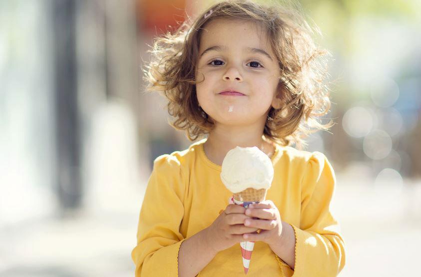 Како да престанете да го наградувате и мотивирате вашето дете со храна?