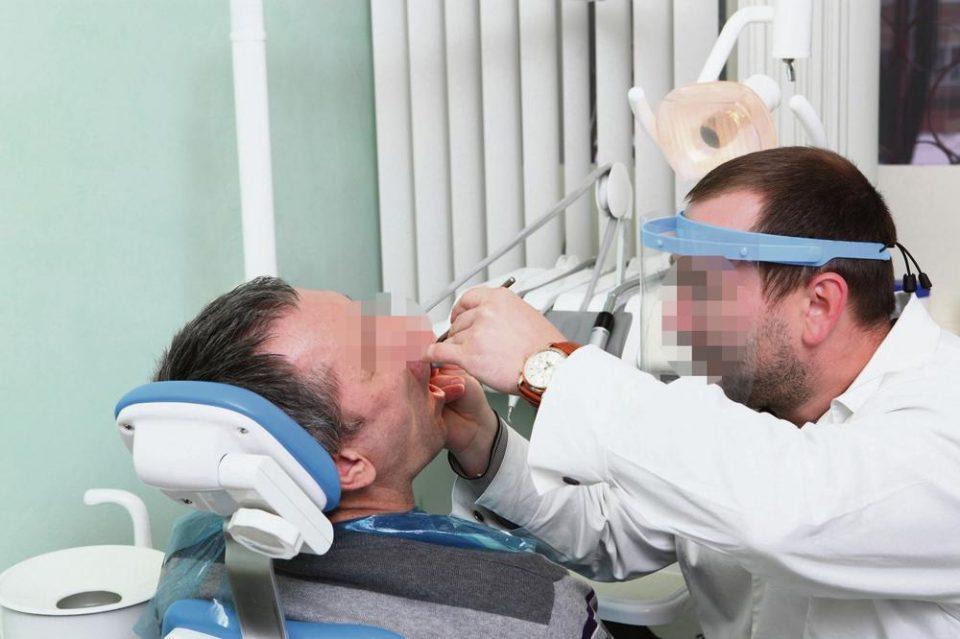 Стоматолог знаел дека има коронавирус, но продолжил со работа