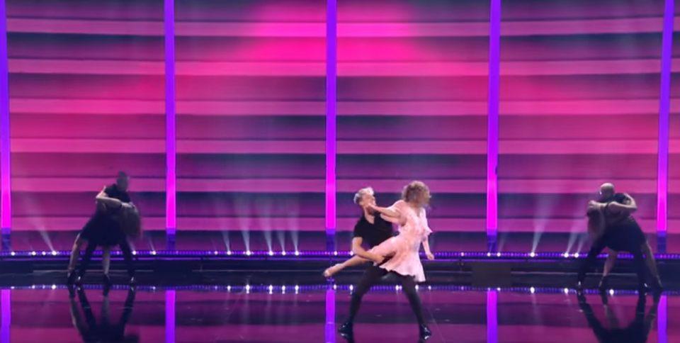 """Валкан танц"" кој буди емоции: Ваков настап немате видено (ВИДЕО)"