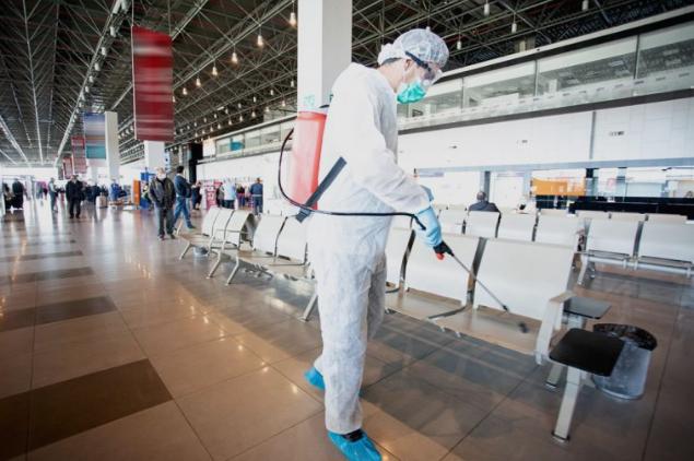 Скопскиот аеродром со молба до патниците
