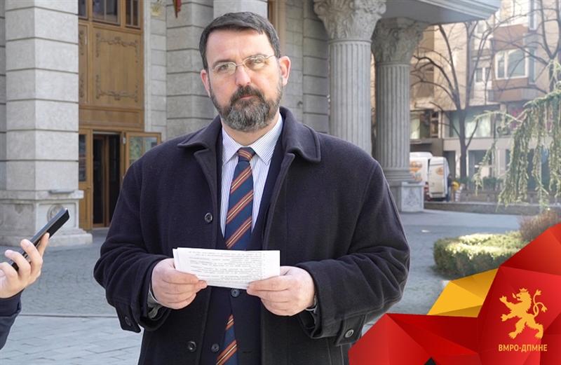 Стоилковски: Спасовски, Шекеринска, Царовска, Димитров да се откажат од платите и да ги донираат за борбата против корона вирусот