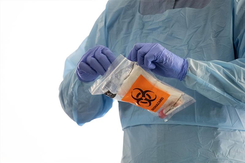 Американските научници со важна студија: Докажано е колку се задржува вирусот во воздухот и на разни површини