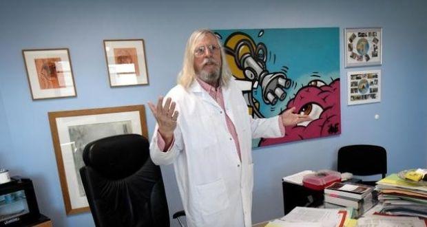 """Дали """"коктелот"""" против коронавирусот ќе му донесе светска слава или крај на кариерата на овој """"арогантен"""" вирусолог?"""