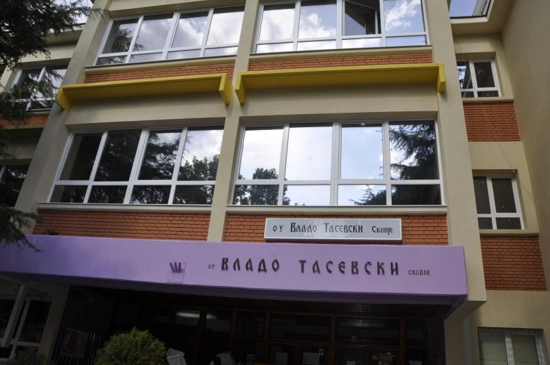 """Директорката на """"Владо Тасевски"""" Даскалова пред да ја спушти слушалката на КУРИР: Тоа што родителите се вознемирени е нивен проблем!"""