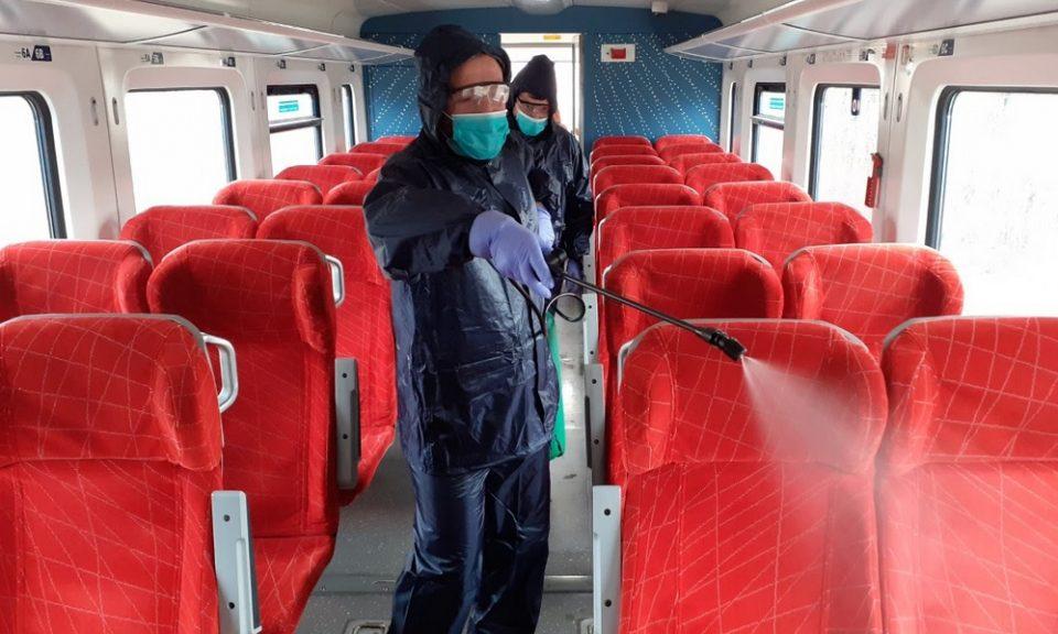 Патничките возови, конечно, дезинфицирани за заштита од коронавирус