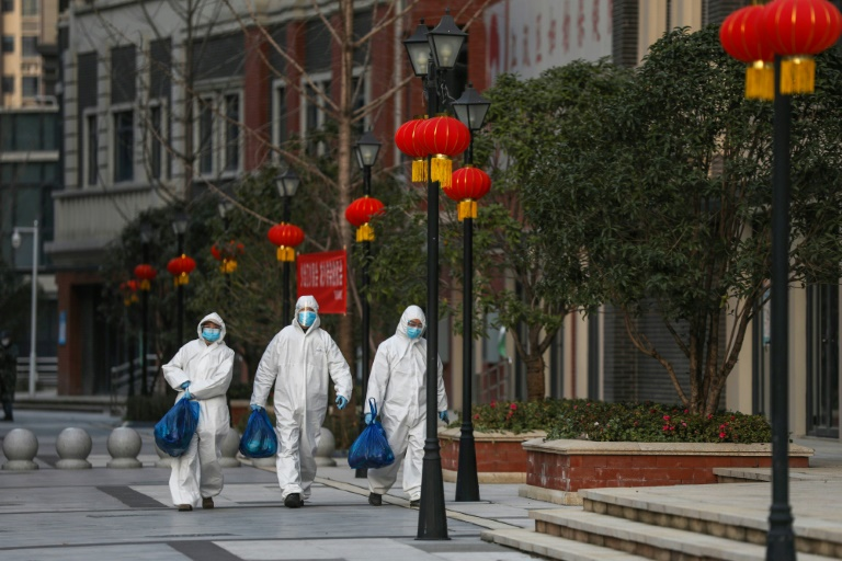 Главните служби во Вухан се враќаат на работа