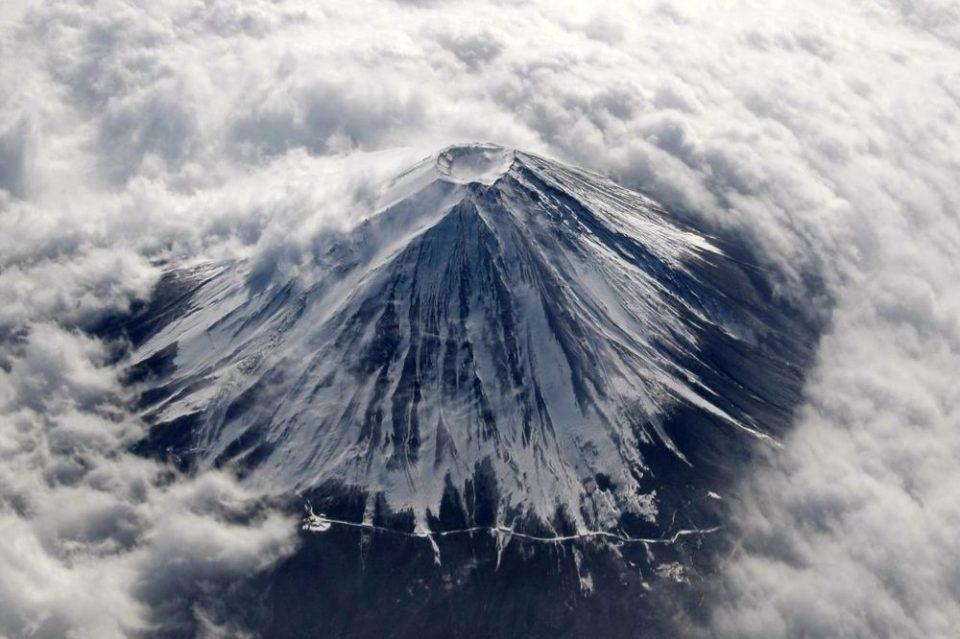 Предупредување: И најмала ерупција на Фуџи би можела да го блокира сообраќајот во Токио