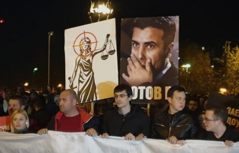 """""""Патолошкиот лажго Заев е исплашен политичар кој знае дека не може да избега од одговорност за криминалите"""""""