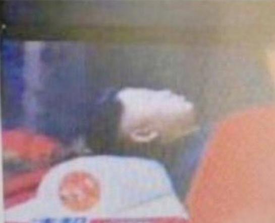Што се случува во Северна Кореја: Светските медиуми веќе ја пренесоа веста за Ким Џонг-Ун во стаклен ковчег (ФОТО)