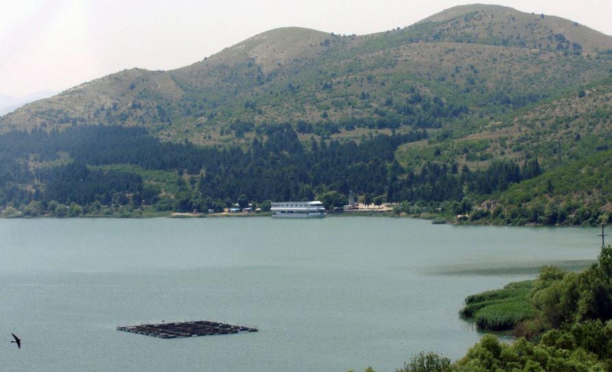 Велешанката која беше пронајдена во провалија кај Велешкото езеро, пренесена во скопските клиники