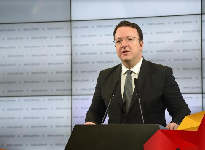 Николоски: Заев од овој Буџет ќе потроши фантастични и рекордни 510 милиони евра за плати на администрацијата, расипнички се крадат парите на граѓаните